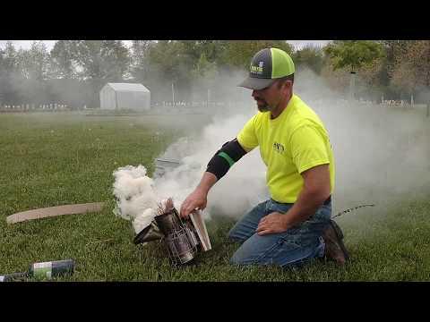 Lighting a honey bee smoker and make it last all day. Fat Beeman method