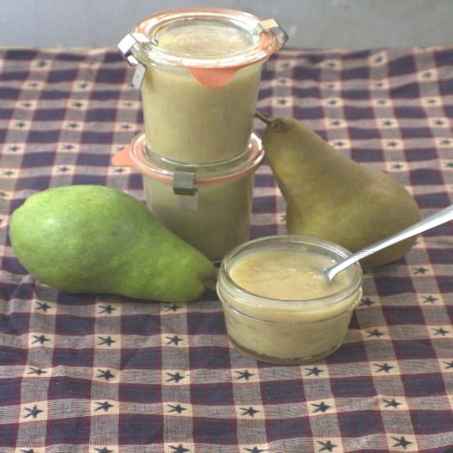 Ah, to be able to bottle the tastes of fall and enjoy it all year long. Did you know that you can? How, you may ask? With this delicious pear sauce! The Homesteading Hippy